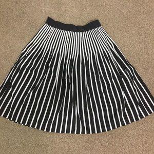 Almost new amazing very flattering skirt